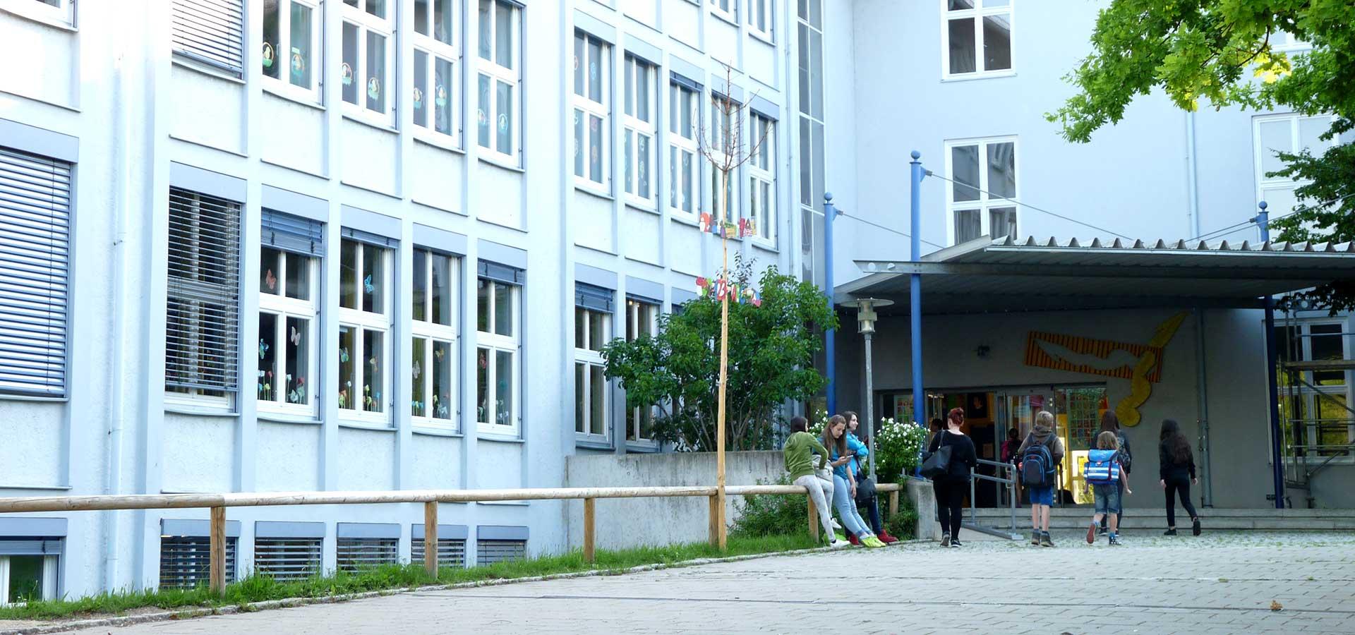 Grundschule und Mittelschule in Straubing